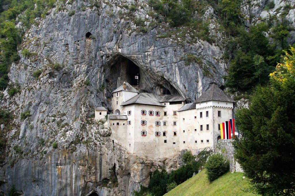Predjamski dvorac - Postojnska jama
