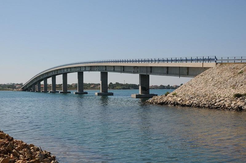 Most otok Vir